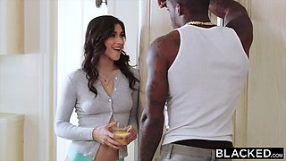 BLACKED BBC-obsessed Brooklyn seduces her new manager
