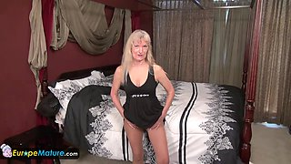 Old granny Cindy gone too horny