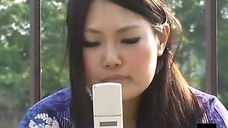 Sexy japanese girls wearing kimono spied on camera
