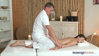 A gentle and erotic massage