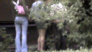 Pissing voyeur blonde chick in a public park