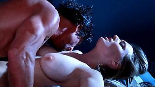 Natalia Starr vs Tommy Gunn (se lo monta y acaba muchisimo)