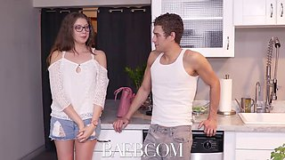 girl next door wants to seduce her neighbor
