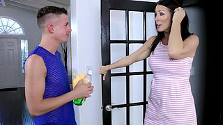 Cock-hunting brunette MILF Reagan Foxx loves younger men