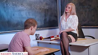 Russian sex bomb Casca Akashova is teaching her favorite student how to satisfy girls