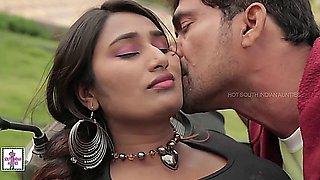 Hot Desi Girl Romance with Boy Friend while Bike Learning