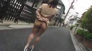 Japonaise soumise exhibee en public  putain maritale