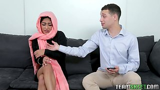 Hot AF hijab lady Binky Beaz gives a good ride of her horny hubby