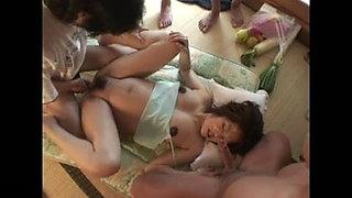 Beautiful pregnant woman 3. Yoko Ishino
