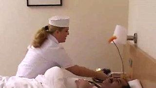 Turkish Sahin Aga German nurse (Am Got)