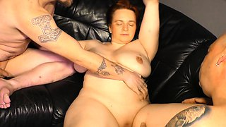 REIFE SWINGER - Dirty MMF threesome with mature German lady