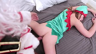 Petite elf babe is banged by Santa in tight pussy