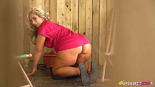 English MILF Kellie OBrian is always ready to flash her fantastic rack