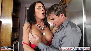 Sexy housewife Jessica Jaymes kisses her stud and gives such a good BJ