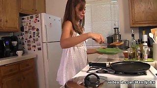Adorable teen Riley Reid gives a great handjob