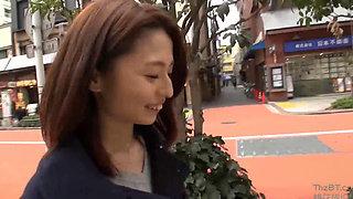 An Ordinary Japanese Housewife Screwed 2