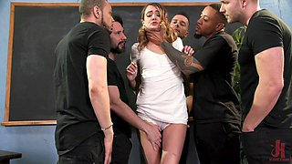 Nice girl Zoe Sparx gets double penetrated after hardcore blowbang